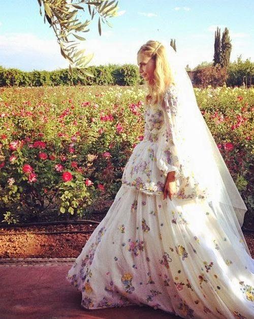 the most original wedding dress, ever