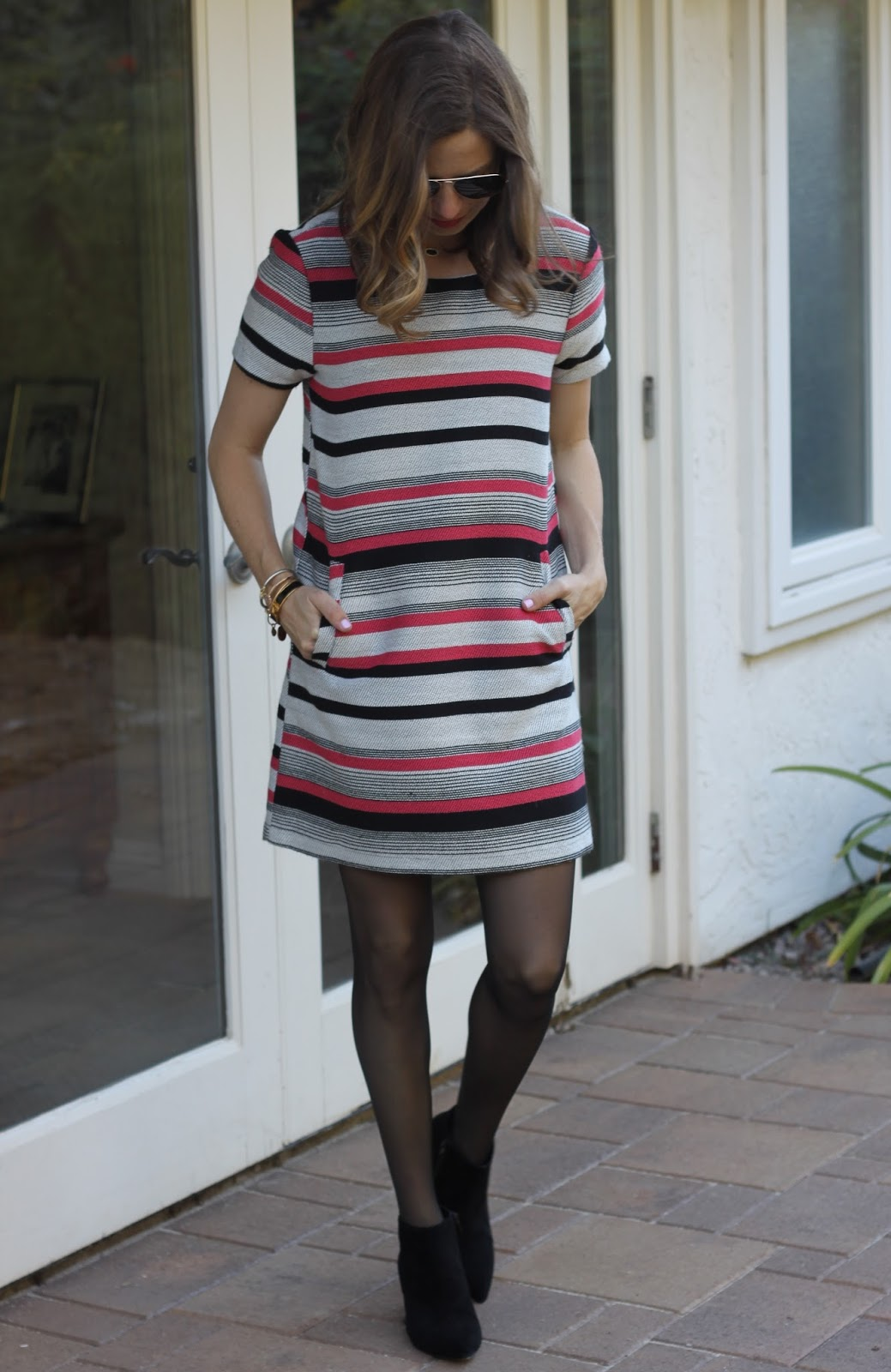 stripe dress blogger outfit
