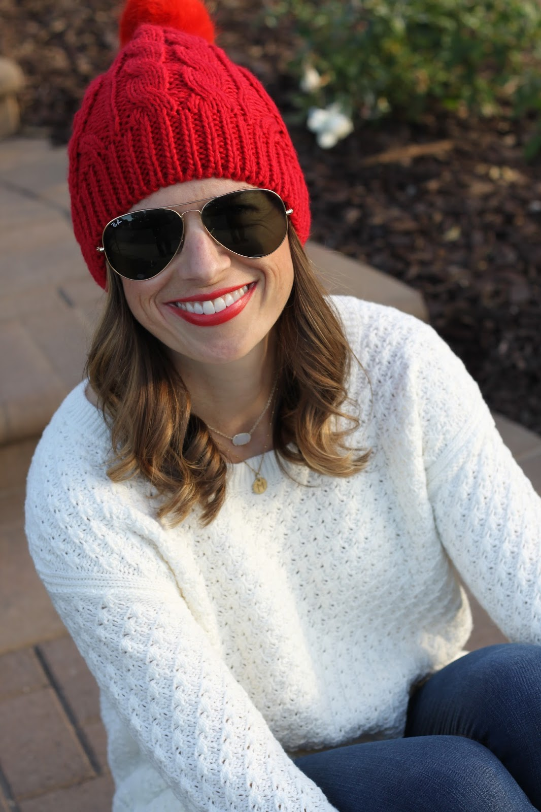 red lips and ray ban