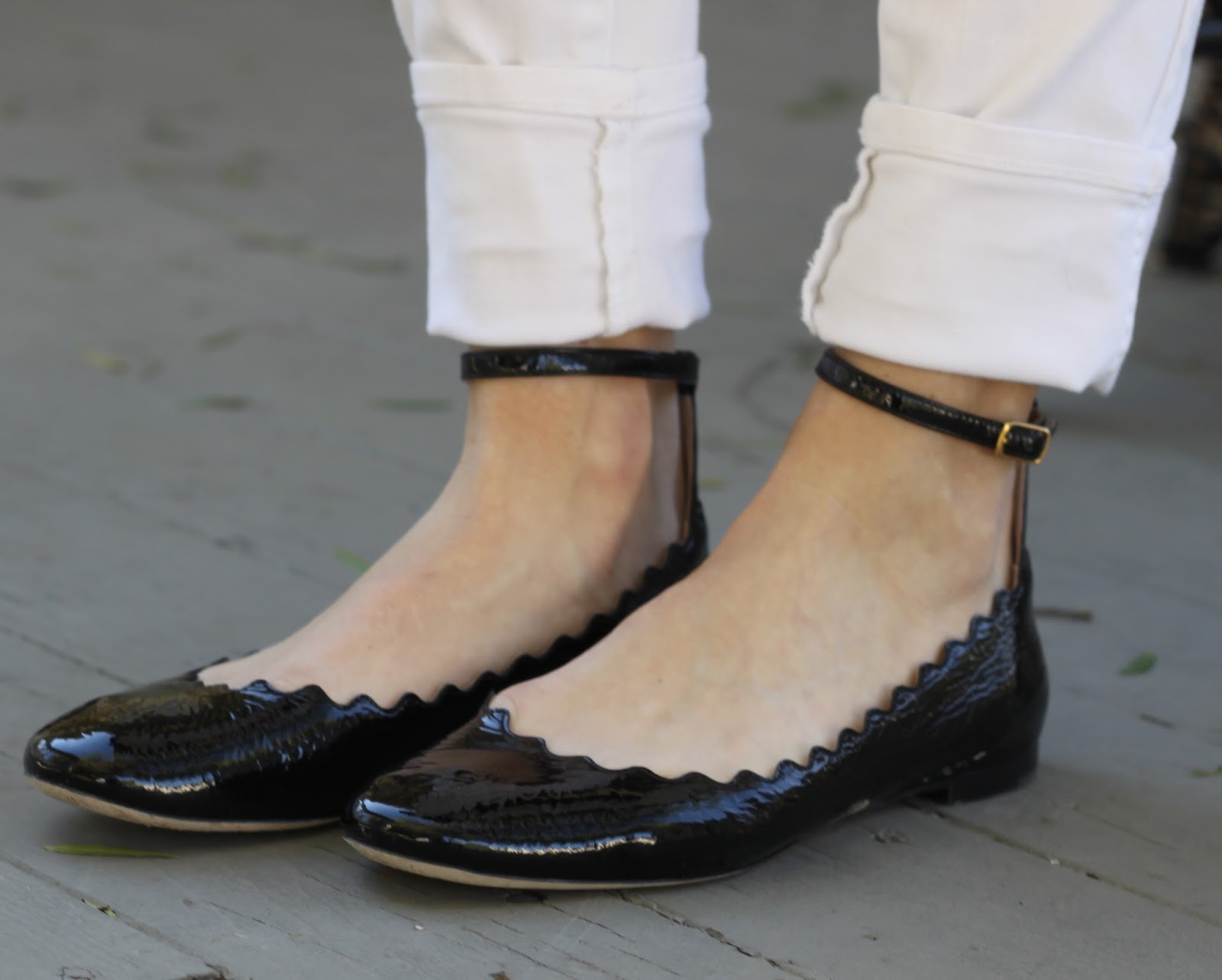black scalloped flats