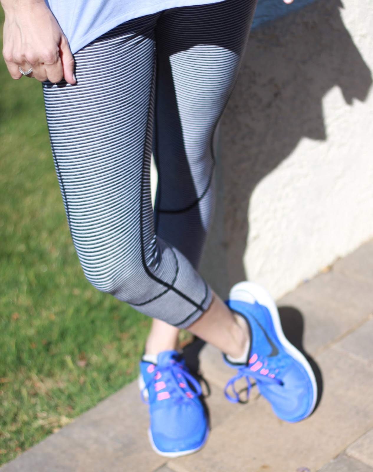 striped legging and nike free