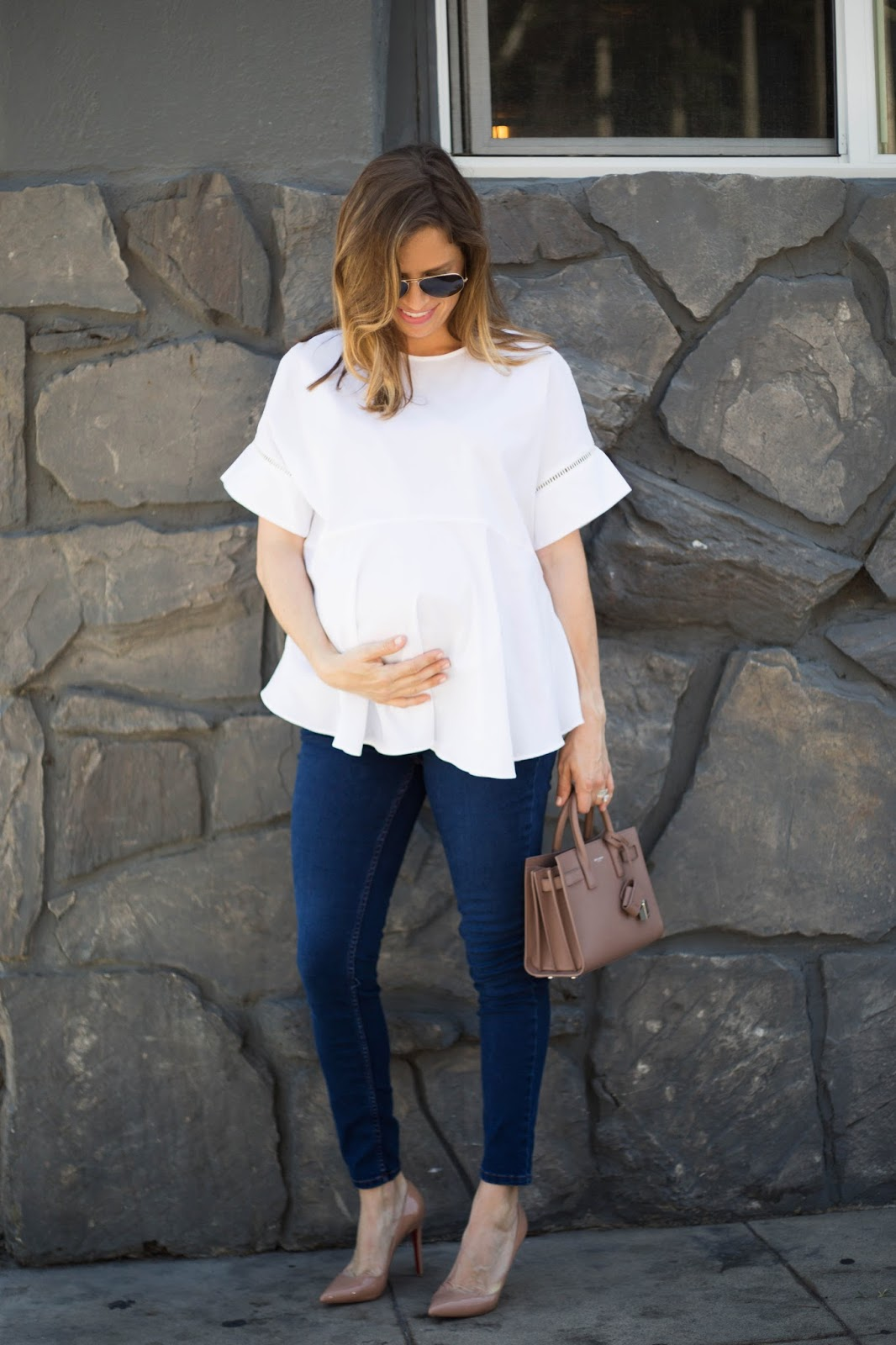 maternity white top and skinny jeans
