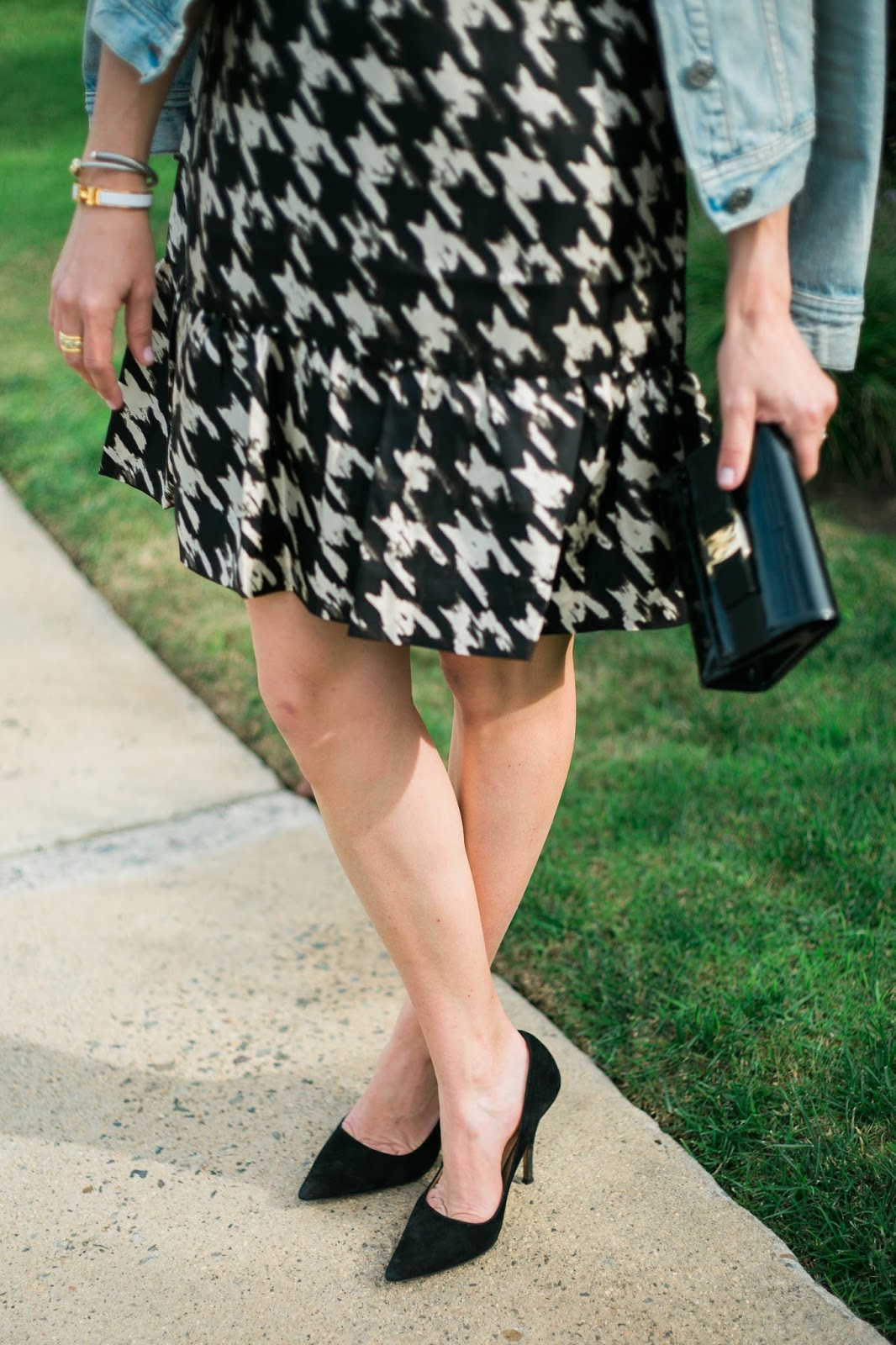 black pointy toe pumps