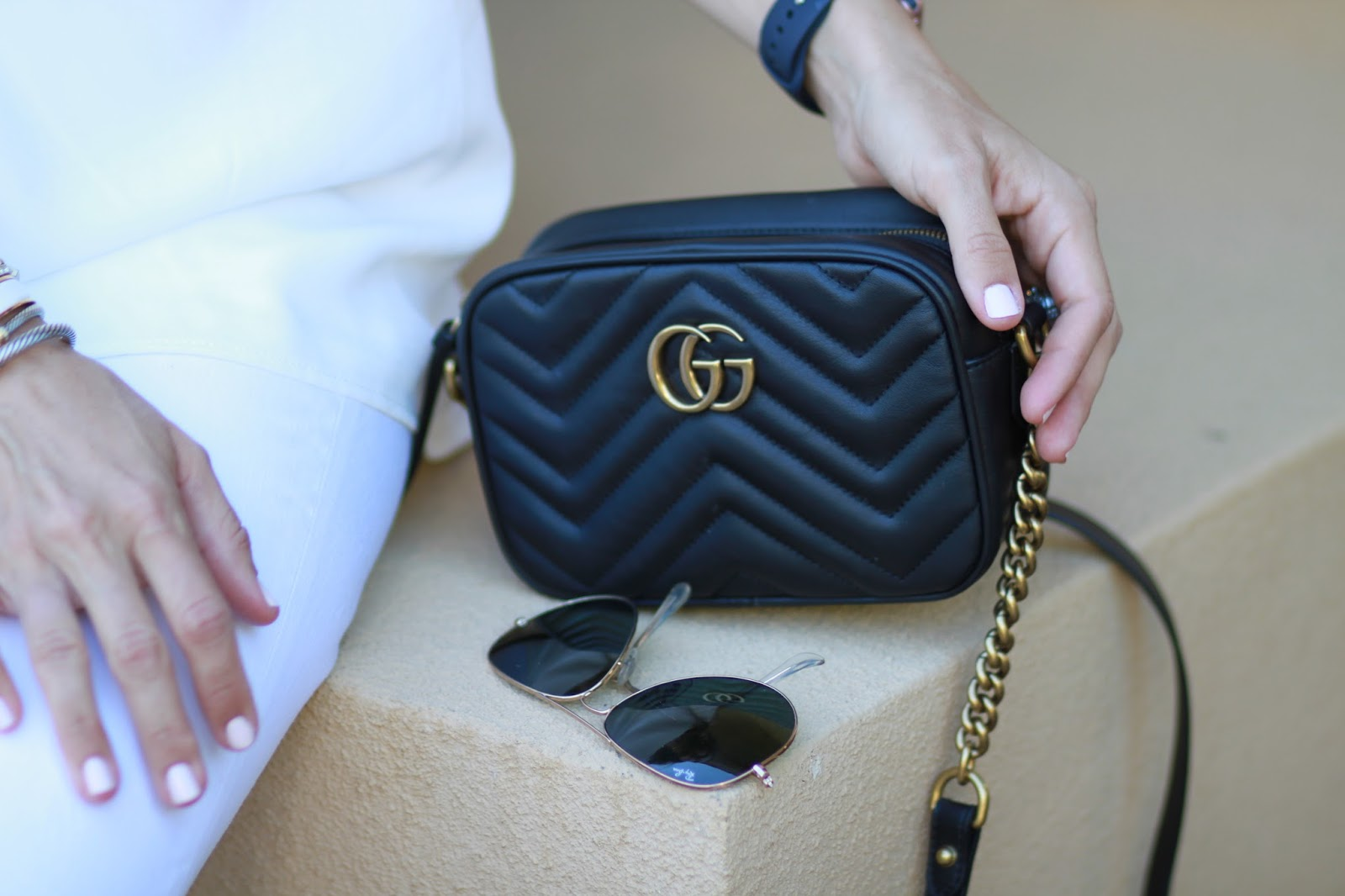 black gucci marmont outfit