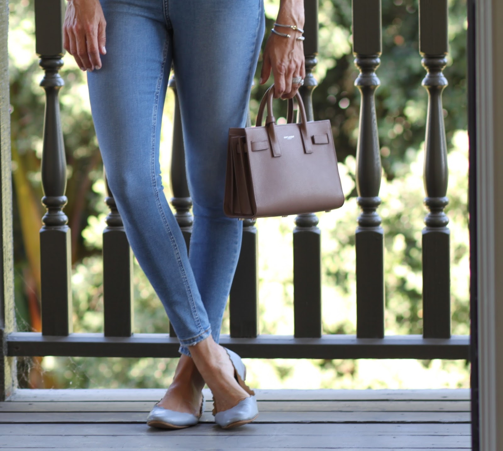 chloe flats and skinny jeans outfit