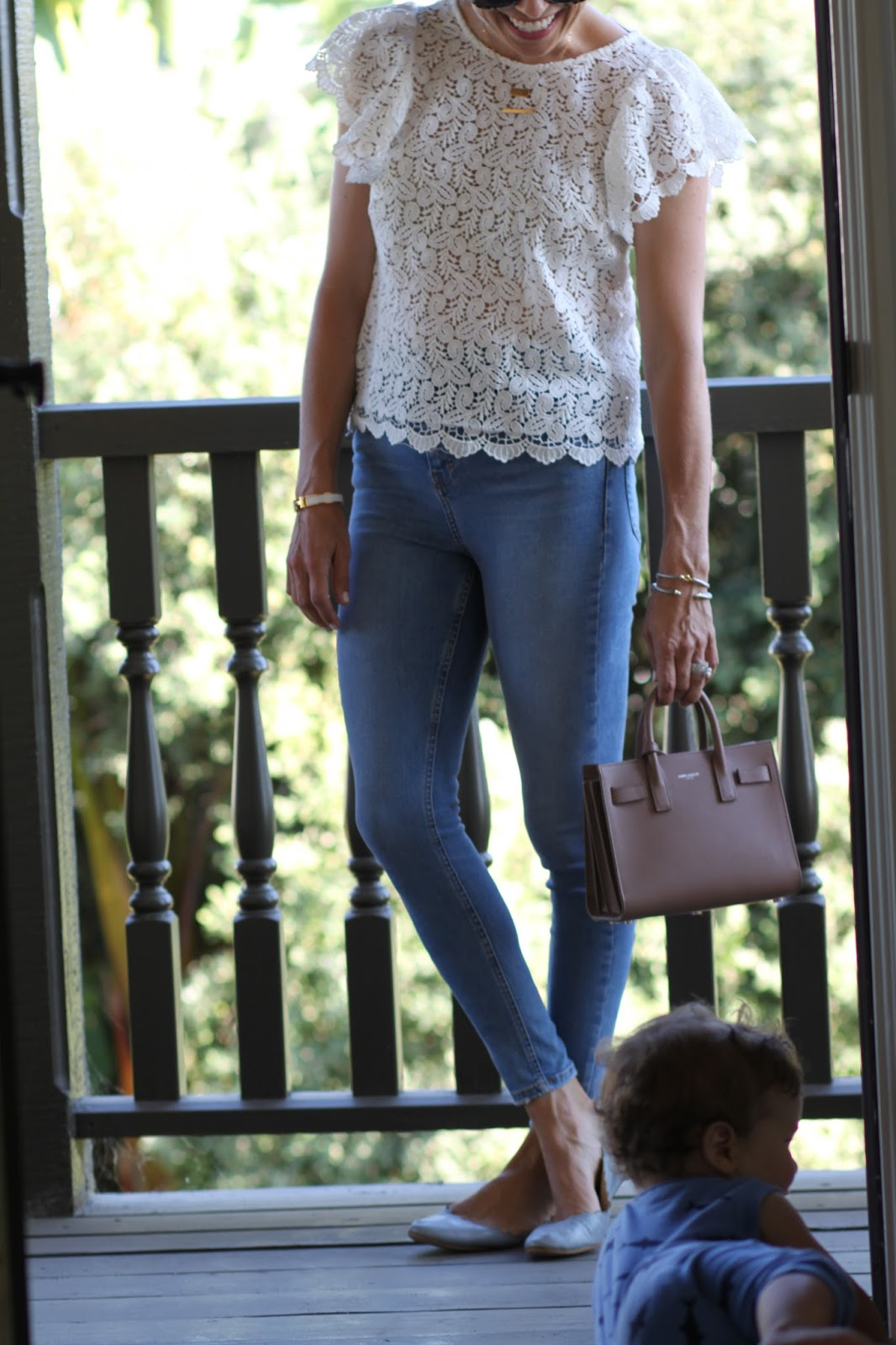 skinny jeans mom outfit
