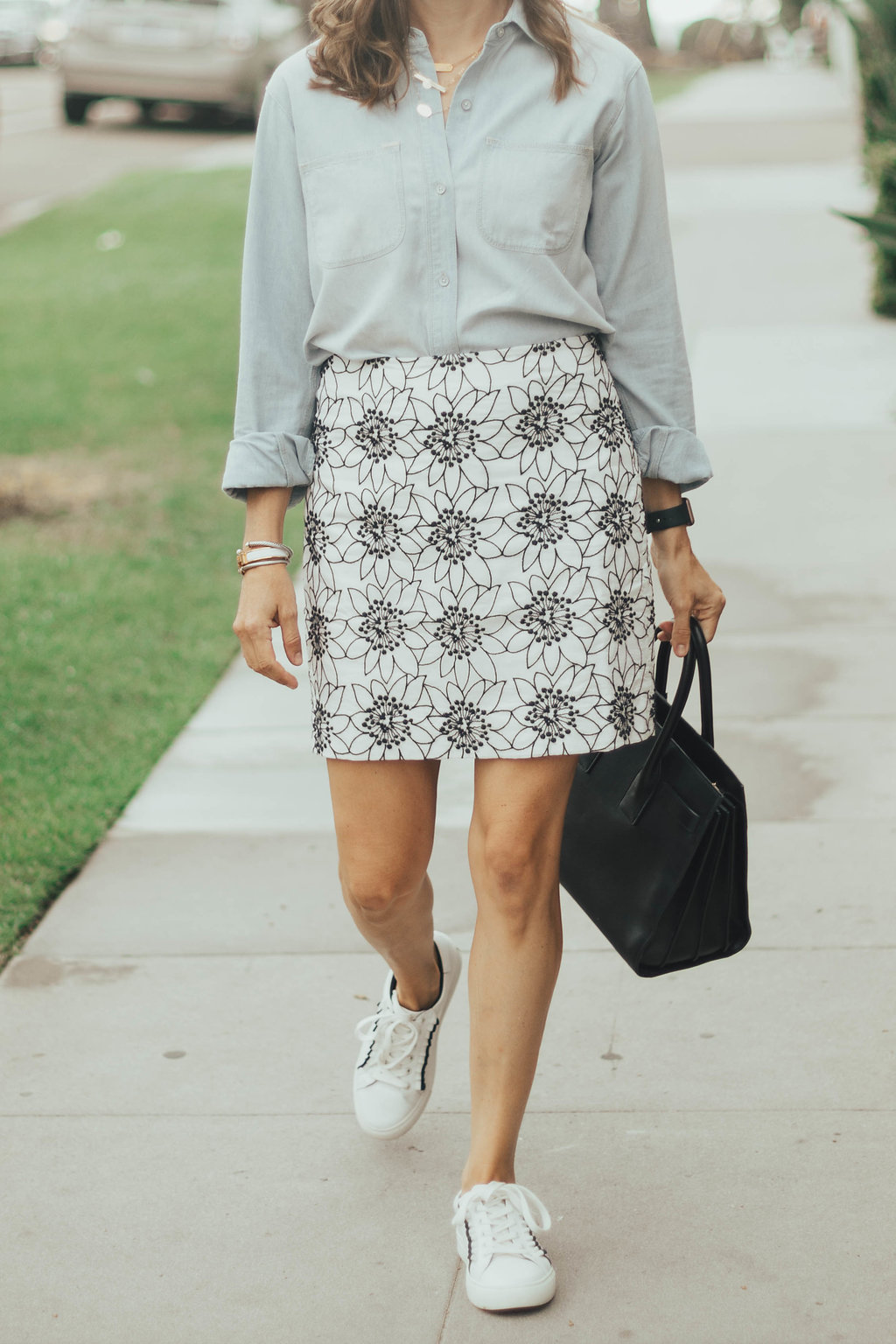 skirt and sneakers outfit