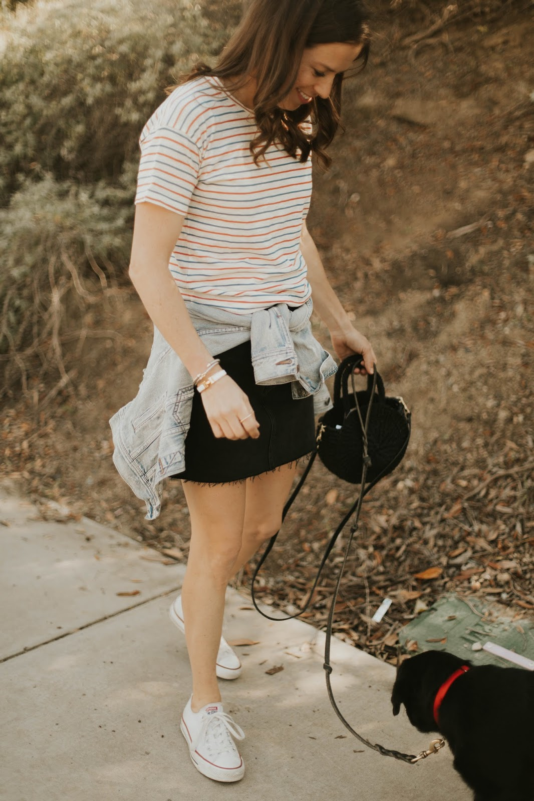 frayed denim skirt and converse outfit
