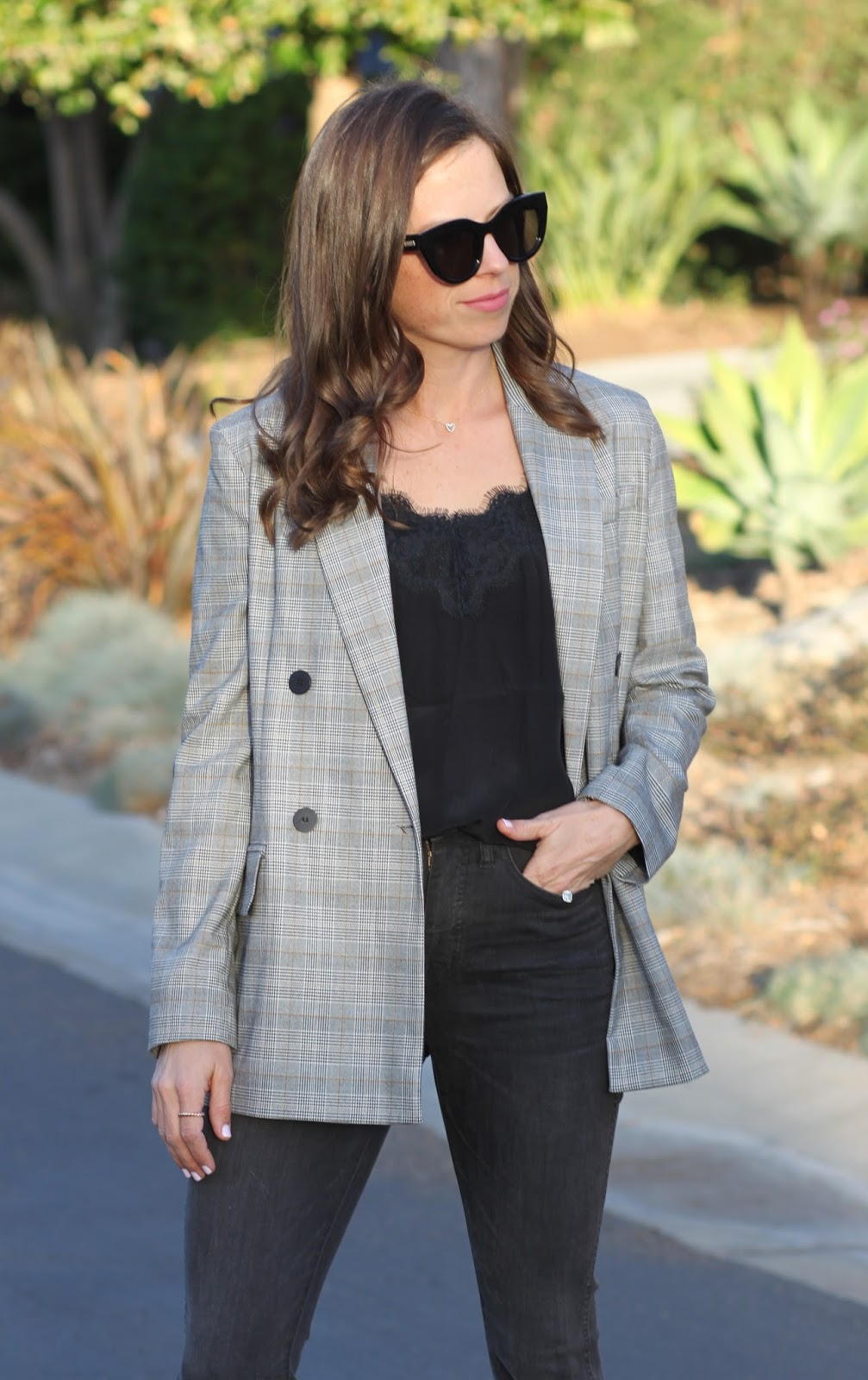 oversized plaid blazer outfit