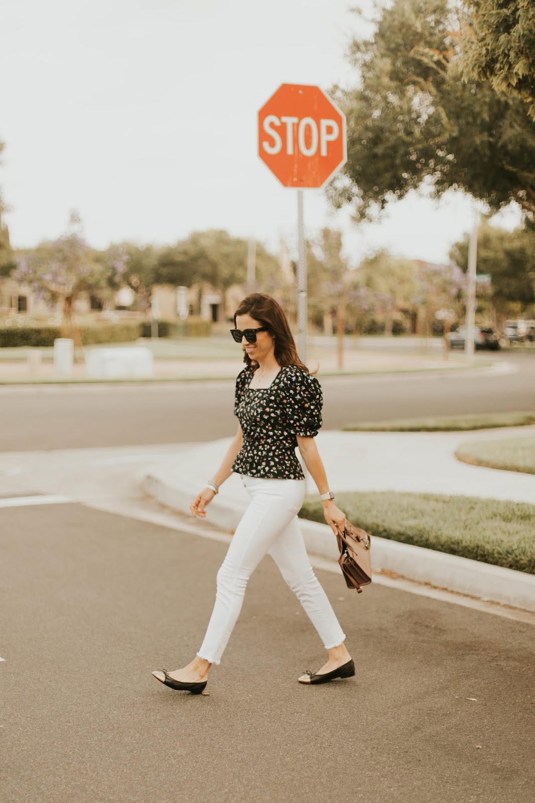 white button fly jeans blogger style