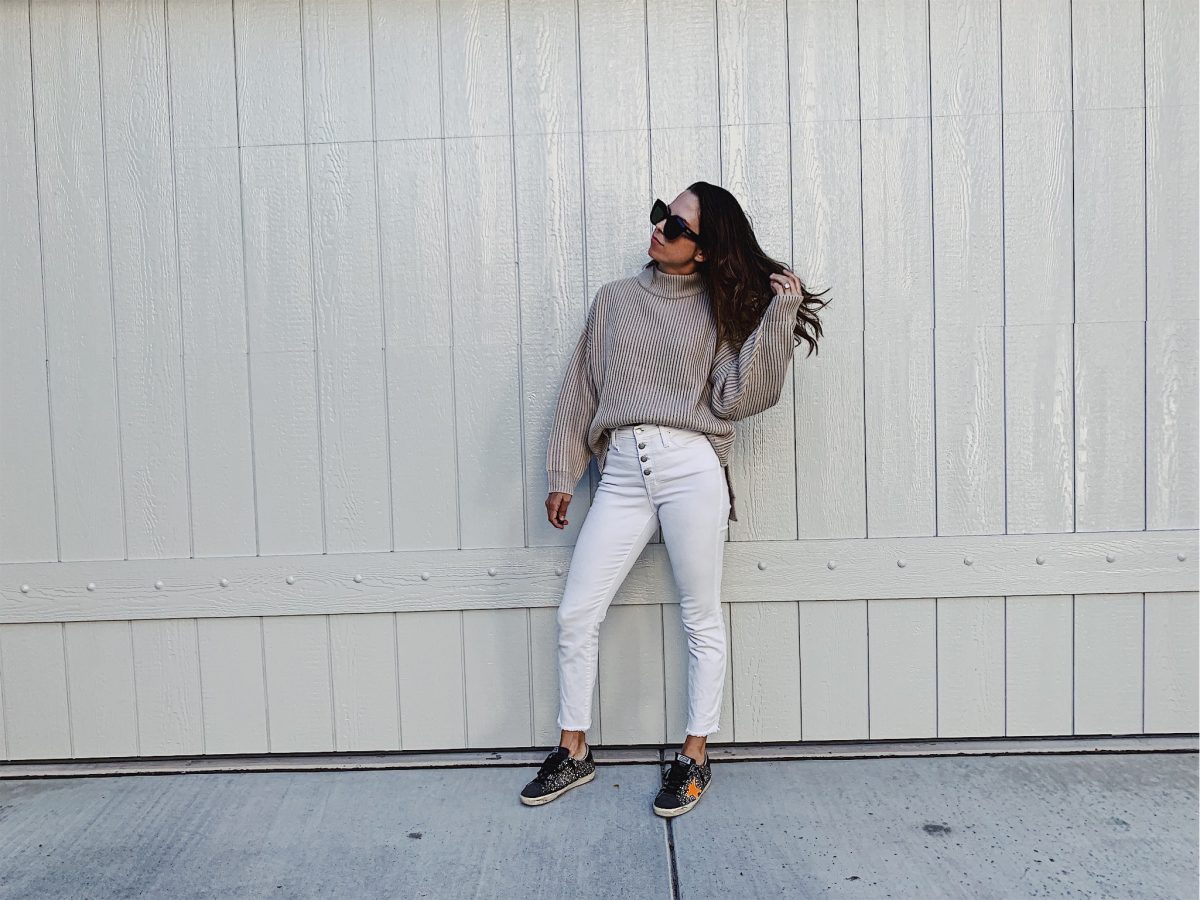 oversized mock turtleneck sweater outfit